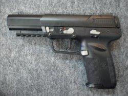 画像1: (18歳以上用)マルイ ガスブローバックガン FN5-7